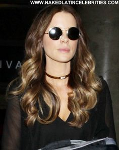 kate beckinsale at DuckDuckGo Circlet, Kate Beckinsale, Tall Women, Famous Celebrities, Halle Berry, Brown Hair, Round Sunglasses, Take That, Singer