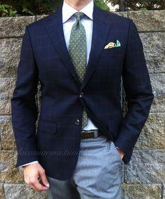 『彼、お洒落だね!』って言われたい♡上下色違いスーツの、上級新郎コーディネート10選*にて紹介している画像