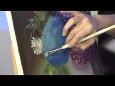 Wet into Wet Hydrangeas with Marion Dutton - YouTube (oils)