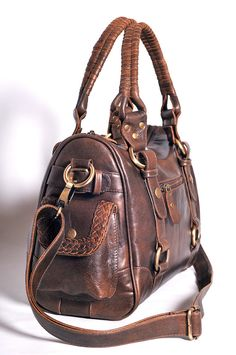 VAGABOND. I used to always carry around a purse like this when i was younger a862f299bfb98