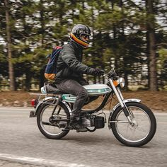 #MopedMonday with @mopedsofinsta. Featuring this 1980 Puch Magnum 2 in action. Thanks for the submission! Photo by @philroge. #croig #caferacersofinstagram