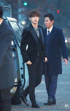 Lots help me....He looks like a really sexy CEO l.....can't....my heart....