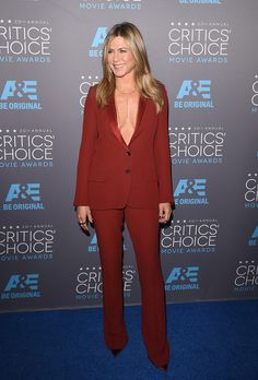 Jennifer Aniston | All The Looks From the 2015 Critics' Choice Awards