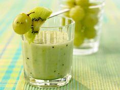 Smoothie van kiwi met druiven