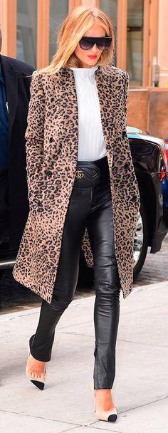 How to style a belt bag with leopard-print coat and leather pants #beltbag #leatherpants #leopardcoat #leopardprint #coat #fannypack #bumbag #wardrobestylist