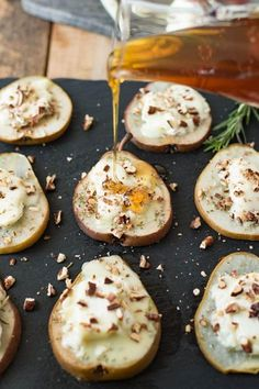 Baked Honey and Chevrot Goat Cheese Pears – Honest Cooking Baked pears are filled with creamy, tangy goat cheese, topped with sweet honey, sprigs of fresh rosemary & pecans for an easy snack or elegant appetizer. Easy Snacks, Healthy Snacks, Easy Meals, Healthy Recipes, Yummy Recipes, Healthy Brunch, Dessert Healthy, Honey Recipes, Healthy Fruits