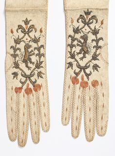 Women's Gloves (image 3) | 1680-1690 | kid leather | Kerry Taylor Auctions | December 8, 2015