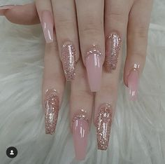 There are three kinds of fake nails which all come from the family of plastics. Acrylic nails are a liquid and powder mix. They are mixed in front of you and then they are brushed onto your nails and shaped. These nails are air dried. When creating dip. Mauve Nails, Gel Nails, Light Pink Nails, Nail Nail, Coffin Nails Long, Long Nails, Pink Coffin, Gorgeous Nails, Pretty Nails