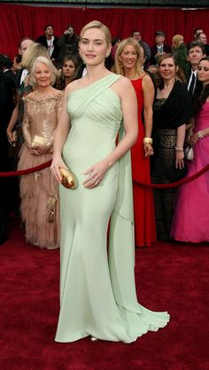 Kate Winslet bei den Oscars 2007 in Valentino