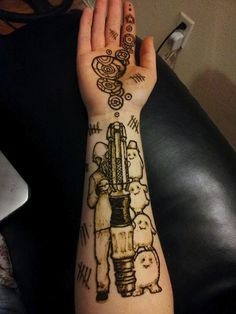 OMG. I should have something Doctor Who done for next convention. I have a fab local henna artist that does custom work.