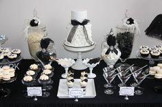 Black and White Dessert Tables #blackwhite #desserttables
