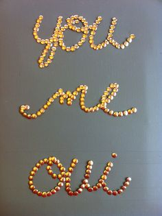 DIY: thumbtack word art (would be cute on inspiration board) Diy Wall Art, Diy Art, Wall Decor, Diy Projects To Try, Craft Projects, Craft Ideas, Thumbtack Art, Diy And Crafts, Arts And Crafts