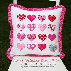 quilted valentine hearts pillow tutorial - i'd use less pink and more red and aqua