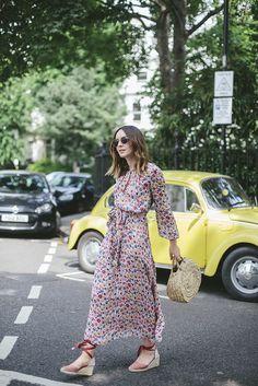 (Dress: C/O Boden , Sunglasses: Madewell , Earrings: Dinny Hall , Bag: Tidy Street Store (similar here ), Shoes: Castaner , Ring:...