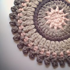 Click the link in the bio to check out the similar colors. Granny Square Crochet Pattern, Crochet Mandala, Crochet Stitches Patterns, Crochet Round, Love Crochet, Diy Crochet, Crochet Doilies, Diy Crafts How To Make, Crochet Home Decor