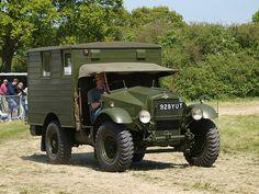 Morris Commercial GS radio (home wireless) Antique Trucks, Vintage Trucks, Old Trucks, Army Vehicles, Armored Vehicles, Dump Trucks, Pickup Trucks, Classic Trucks, Classic Cars