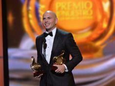 Premio lo nuestro 2014 | Premio Lo Nuestro 2014: En el show llaman a la paz en Venezuela ... Go Pittbull!