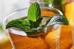 """Green Tea Lemonade (Dr. Oz) 2 cup warm water 1 green tea teabag 1/2 squeezed lemon Start by steeping green tea in warm water for at least 20 minutes to release antioxidants. Then mix two cups of green tea with 1/2 lemon, squeezed. Drink two cups of this """"Green Arnold Palmer"""" hot or cold every day."""