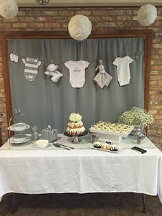 Best Snap Shots rustic Baby Shower Decorations Style Compliment parents-to-be simply by positioning on the wonderful baby shower. How does one make a baby shower m. Décoration Baby Shower, Bebe Shower, Baby Shower Winter, Baby Winter, Girl Shower, Baby Shower Parties, Simple Baby Shower, Baby Shower Cupcakes Neutral, Baby Shower Themes Neutral