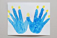 Handprint Menorah from SheKnows.com