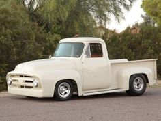 77-year-old Dub Boyles builds a 1953 Ford F-100 truck at home with his friends and buddies. http://www.hotrod.com/cars/featured/1511-a-classic-1953-ford-f-100-pickup-with-very-unique-powerplant?utm_source=rss&utm_medium=synergetic&utm_campaign=RSS