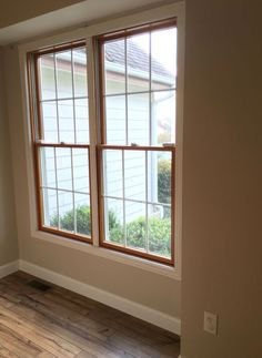 Amazing photo - have a look at our blog post for a lot more suggestions! #wideplankfloorideas White Hardwood Floors, Interior Door Trim, White Windows, Wood Windows White Trim, Farmhouse Interior, Wood Trim, Wood Doors Interior, Farmhouse Trim, Oak Windows