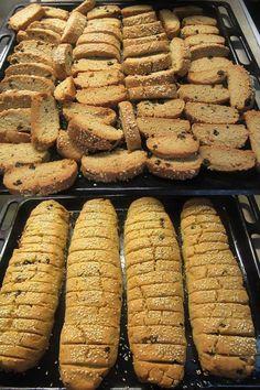 Greek Sweets, Greek Desserts, Greek Recipes, Paximathia Recipe, Sweets Recipes, Baking Recipes, Greek Cake, Greek Cookies, Vitamin A Foods