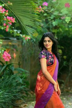 Improve How You Look With These Great Fashion Tips Beautiful Girl Photo, Beautiful Girl Indian, Most Beautiful Indian Actress, Beautiful Saree, Dehati Girl Photo, Girl Photo Poses, Girl Poses, Poses For Girls, Indian Photoshoot