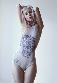 Yolandi Visser de Die Antwoord.  bunnyboog: Recientemente he estado viendo a esta chica pop-up de mi cuenta.  idk su nombre, pero ella es perfecta.