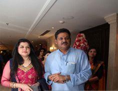 भारतीय जनता पार्टी के सांसद कीर्ति आजाद की पत्नी और तीन बार पार्टी की राष्ट्रीय कार्यकारिणी में शामिल रहीं पूनम आजाद भाजपा को छोड़कर आम आदमी पार्टी में शामिल होने जा रही हैं।