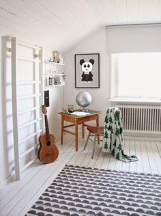 my scandinavian home: Della's delightful room