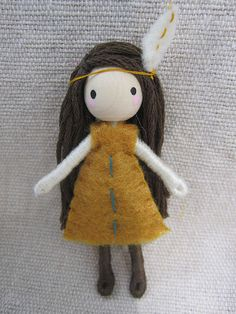 Items similar to Tiger Lily Bendy bambola in miniatura on Etsy Felt Dolls, Doll Toys, Rag Dolls, Fabric Dolls, Crochet Dolls, Muñeca Diy, Pipe Cleaner Crafts, Pipe Cleaners, Homemade Dolls