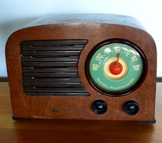 Vintage Art Deco Wooden Emerson Radio with by TheModernHistoric