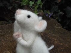 Tips for beginners on making felted wool animals - great introductory guide from an artist