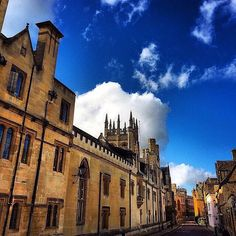 Oxford -How do you make a great first impression?  #Job #VideoResume #VideoCV #jobs #jobseekers #careerservices #career #students #fraternity #sorority #travel #application #HumanResources #HRManager #vets #Veterans #CareerSummit #studyabroad #volunteerabroad #teachabroad #TEFL #LawSchool #GradSchool #abroad #ViewYouGlobal viewyouglobal.com ViewYou.com #markethunt MarketHunt.co.uk bit.ly/viewyoupaper #HigherEd #PersonalBrand #brand #branding photo by @oxford_uni