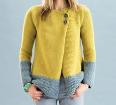 Modèle Veste Phil Looping Femme Knitting is actually a method by which yarn can be Sweater Knitting Patterns, Cardigan Pattern, Knitting Designs, Free Knitting, Baby Knitting, Knit Jacket, Knitwear, Knit Crochet, Sweaters