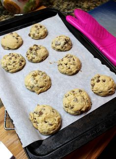 Anna Olson's Classic Chocolate Chip Cookies - Suzie The Foodie Homemade Chocolate Chip Cookies, Chocolate Recipes, Coconut Peanut Butter, Coconut Cookies, Choco Chips, Baking Recipes, Baking Ideas, Food Network Recipes, Delicious Desserts