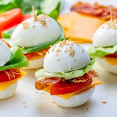 {NEW} BLT Egg 'buns' 🏈😍👌 Heyyyy.whatcha all snacking on right now? Are you indulging, or trying to stick to your goals? Clean Recipes, Keto Recipes, Cooking Recipes, Healthy Recipes, Healthy Drinks, Healthy Snacks, Healthy Eating, Appetizer Recipes, Snack Recipes