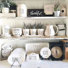 15 Best Inspiration: Rae Dunn Display Ideas To Make Beautiful Decor In Your Home Easy Home Decor, Cheap Home Decor, New Kitchen, Kitchen Decor, Kitchen Display, Farmhouse Style, Farmhouse Decor, Ray Dunn, Kitchen Organization