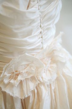 Wedding Dress: Lee Ann Belter via Wedding Wonderland