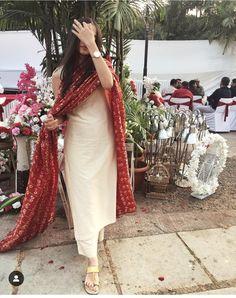 Indian Fashion Tips .Indian Fashion Tips Salwar Designs, Kurta Designs Women, Kurti Designs Party Wear, New Kurti Designs, Plain Kurti Designs, Designer Kurtis, Indian Wedding Outfits, Indian Outfits, Wedding Dresses