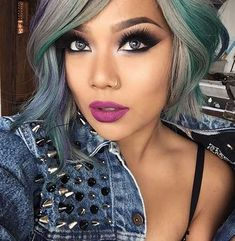 30 Short Haircuts for Women. love her hair color Beauty Makeup, Hair Makeup, Hair Beauty, Sexy Makeup, Short Hair Cuts For Women, Short Hair Styles, Short Cuts, Pixie Cut Blond, Gorgeous Makeup
