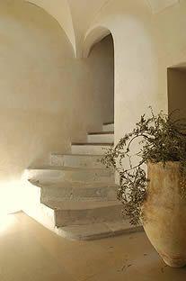 La Grande Bégude - escalier - Next time I go to the Luberon, this is where I want to stay! Interior Stairs, Interior And Exterior, Interior Design, Interior Ideas, House Design Photos, Cool House Designs, Wabi Sabi, Stone Stairs, Deco Nature