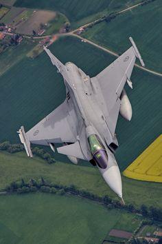 Military Aviation : Photo