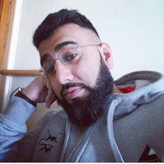 #selfie#beardgang#beardgains#beardporn#beardoil#beardshape#beardgrowth#beardgrooming#barber#hairstyle#haircut#freshtrim#skinfade#gains#fitnessfreak#exercise#fashion#hoody#beardonpoint#asian#desi#punjabi#pognophile#hashtags by khurram_ahmed_
