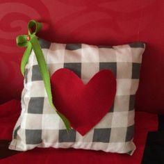 Pillow checkered with heart pocket - handmade factory Handmade Pillows, Diaper Bag, Throw Pillows, Pocket, Bags, Handbags, Toss Pillows, Cushions, Diaper Bags