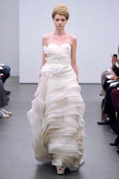 Vera Wang FW13 Dress 9 - White Sweetheart Fall 2013 Vera Wang Full Length A-Line 💟$475.98 from http://www.www.nonmiss.com   #wedding #aline #fall #bridalgown #bridal #white #length #vera #dress #mywedding #full #wang #sweetheart #weddingdress