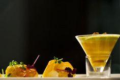 Noix de coquilles Saint-Jacques en phylo de truffes, mousseline de butternut, émulsion aux herbes à curry