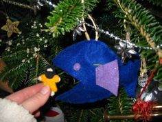 Chez Ouiz: Advent crafts (from an Advent failure) Jesse Tree Ornaments, Diy Christmas Ornaments, Felt Ornaments, Holiday Crafts, Christmas Ideas, Jesse Tree Symbols, Christmas Open House, Bible Crafts, Diy Crafts