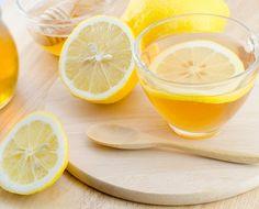 """食事の前にある物を""""飲むだけ""""で簡単にダイエットできる方法をイギリスの研究者が発表していたことをご存知でしょうか?。そのある物とは「水」なんです。でも水以上にダイエット効果のあるミラクルドリンクがあったら、うれしいですよね?!そこで今回は驚異のデトックス&脂肪燃焼効果をもたらすドリンクのレシピを3つ紹介します♪"""